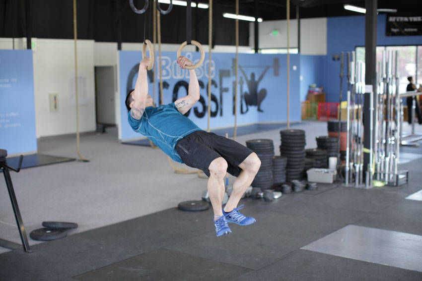 Kipping Muscle Up image