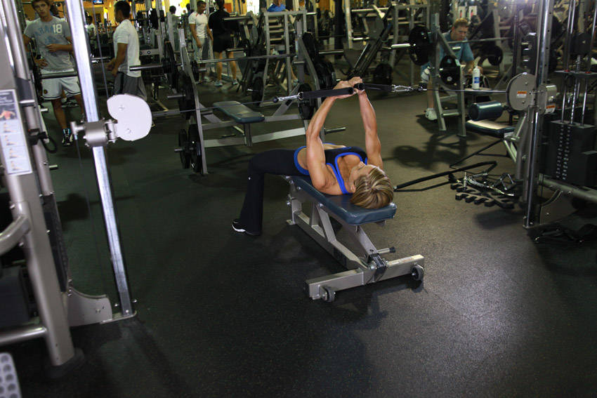 L Flyes Flat Bench Cable Flyes...