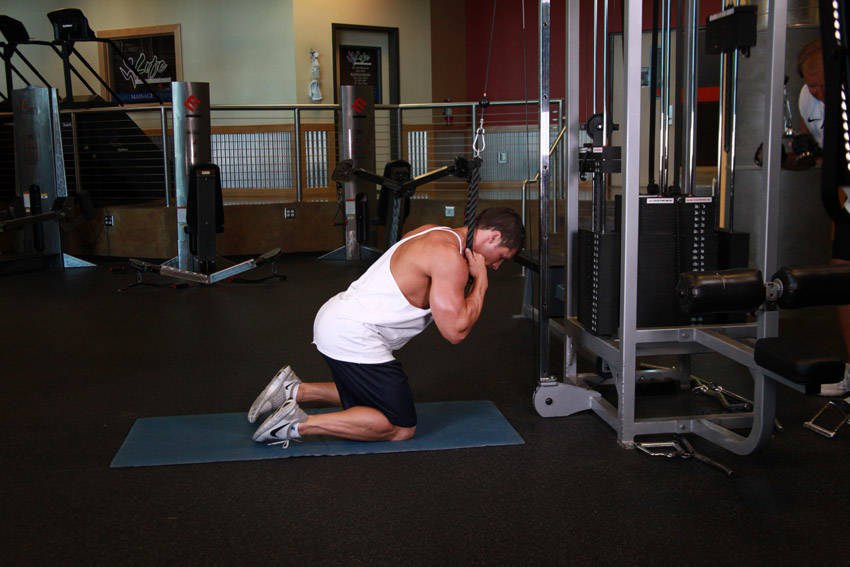 Kneeling Cable Crunches - Peak Fat Loss and Fitness