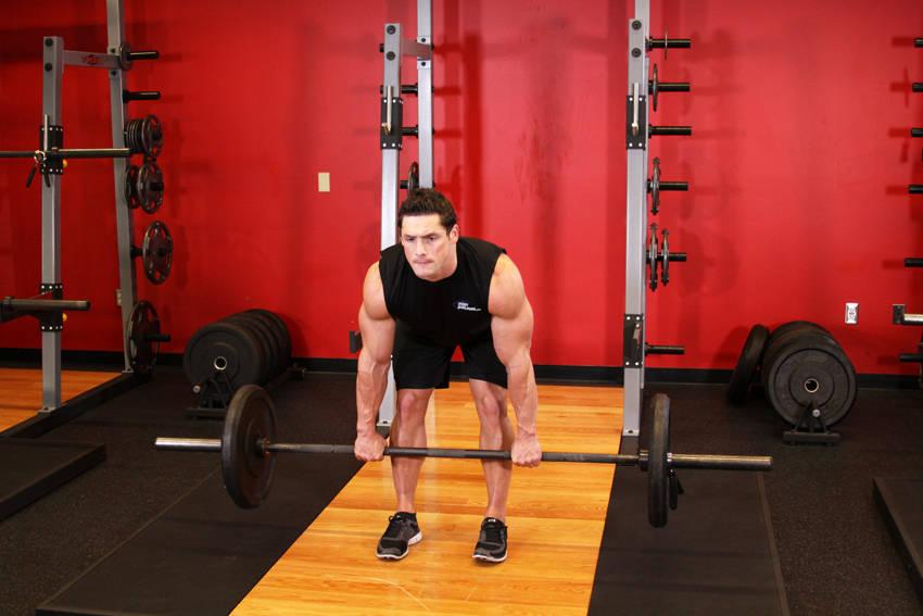 Roemeense deadlift (afbeelding van bodybuilding.com)