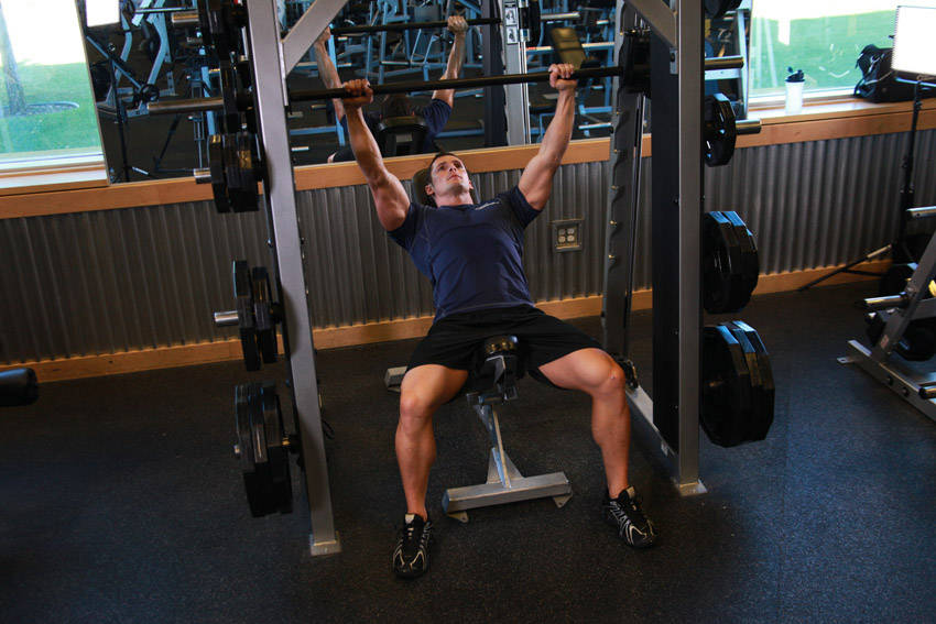 using smith machine for bench press