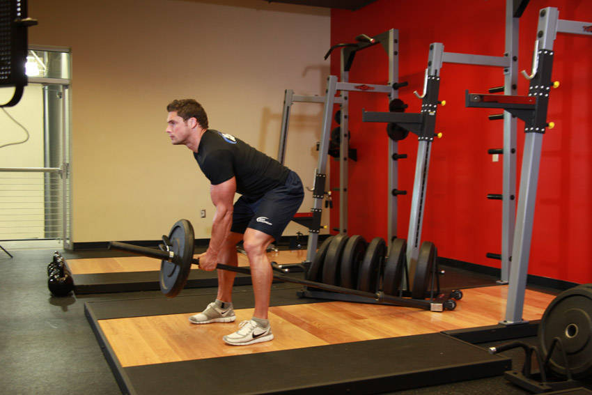 Bent Over One Arm Long Bar Row Exercise Guide And Video