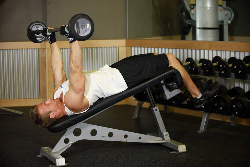 Decline Close-Grip Bench To Skull Crusher image