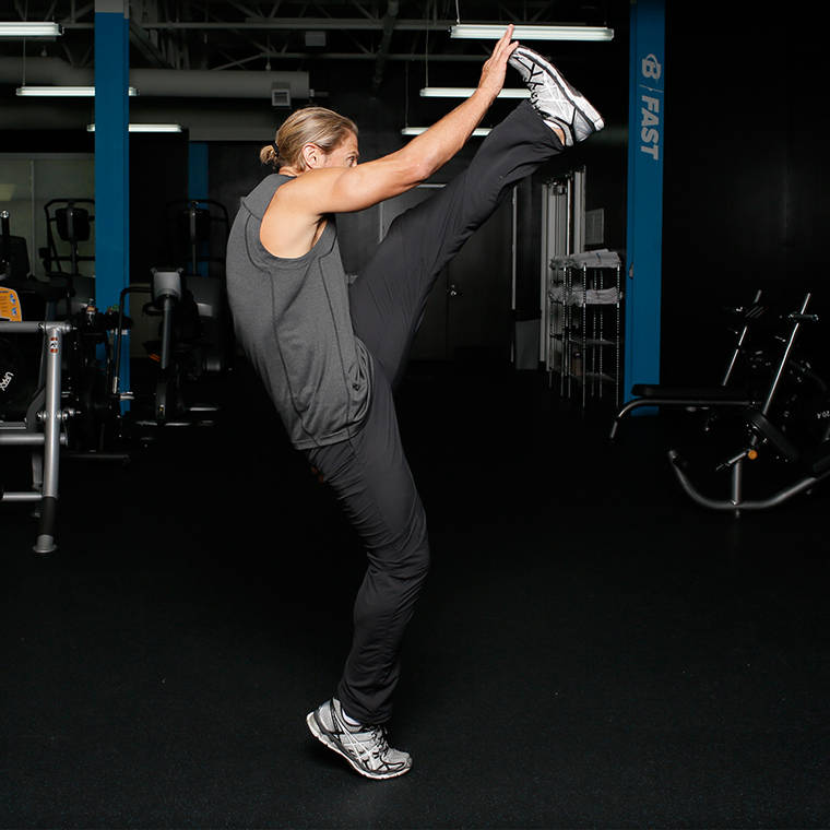 Alternating Leg Swing image