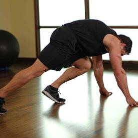 Slow mountain-climber plank