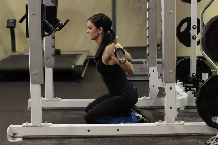 kneeling squat smith machine