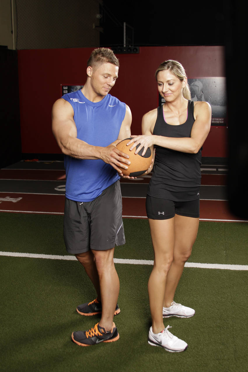 Medicine Ball Full Twist Exercise Guide and Video