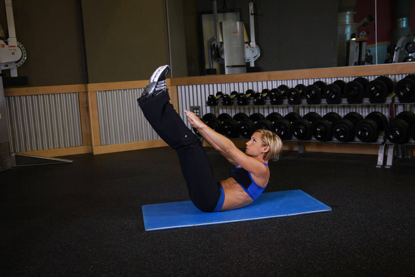 Jackknife Sit-Up Exercise Guide and Video