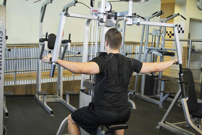 machine flyes exercise