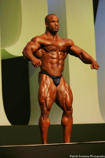 Galeria Mister Olympia 2004!! 2004oly_menpat344