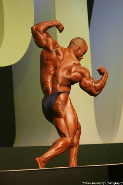 Galeria Mister Olympia 2004!! 2004oly_menpat352