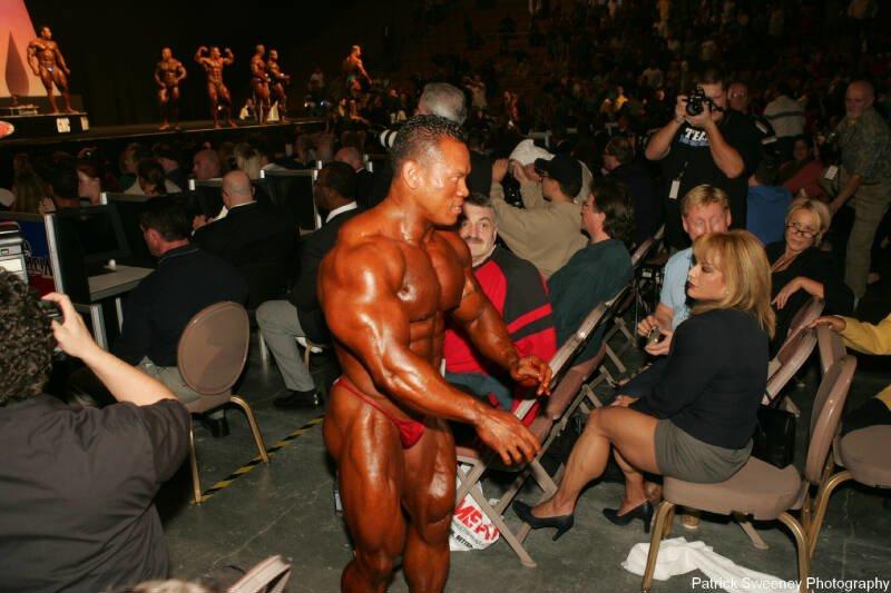 Galeria Mister Olympia 2004!! 2004oly_menpat463