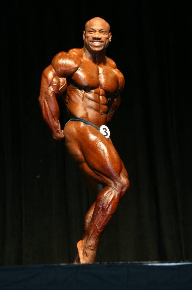 Galeria Mister Olympia 2004!! 2004oly_mt_men4