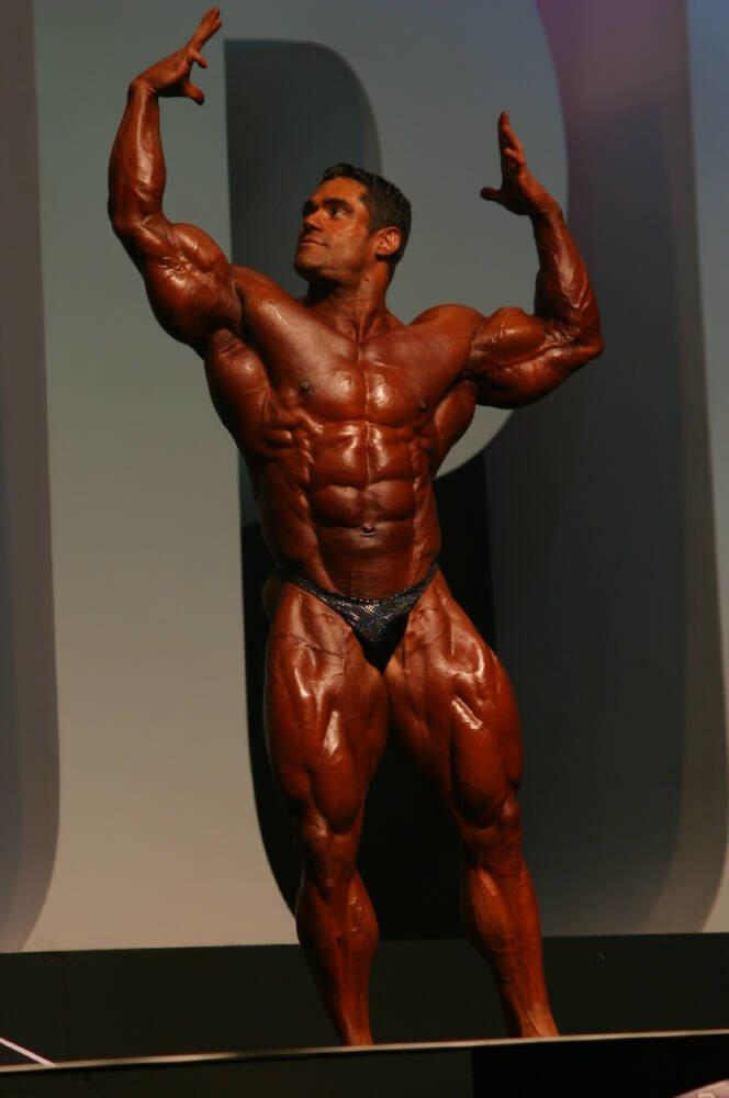 Galeria Mister Olympia 2004!! 2004oly_mt_men60