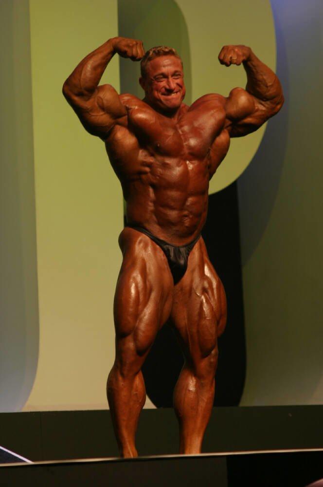Galeria Mister Olympia 2004!! 2004oly_mt_men64