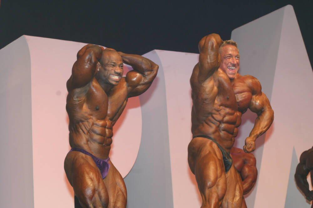 Galeria Mister Olympia 2004!! 2004oly_mt_men82