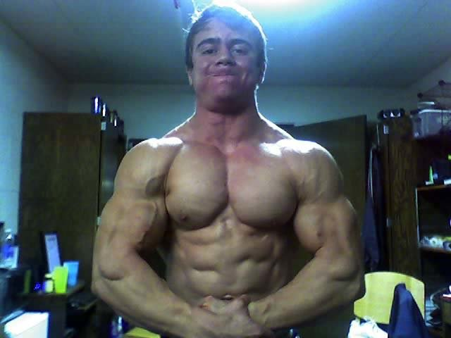 TEEN BODYBUILDER MAREK A PHOTO