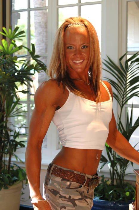 Female bodybuilder amanda folstad