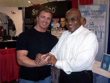 Sergio Oliva At The 2007 Arnold Classic.