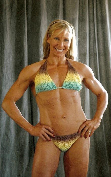 Over 40 Bodybuilder of the Week: Lisa Taubenheim