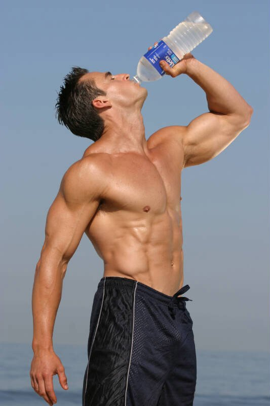 How Much Water Do Bodybuilders Drink