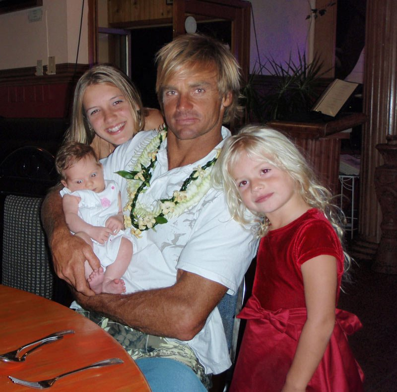 Laird Hamilton With His Daughters