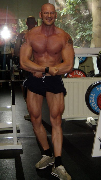 Over 40 bodybuilder of the week j rg pickenhahn for How much fish oil per day bodybuilding