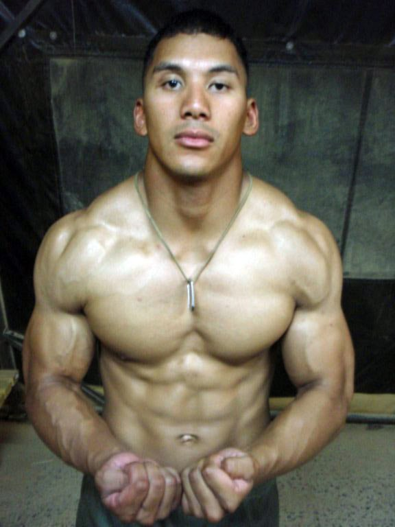 Military amateur bodybuilder of the month douglas stapleton for Stapleton builders