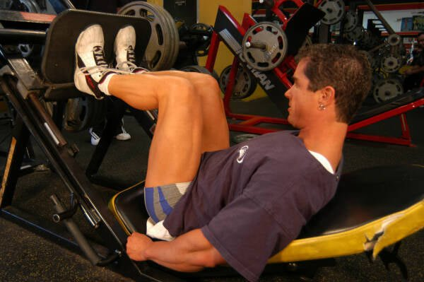 Ultimate leg training a guide for teenagers to make their legs grow