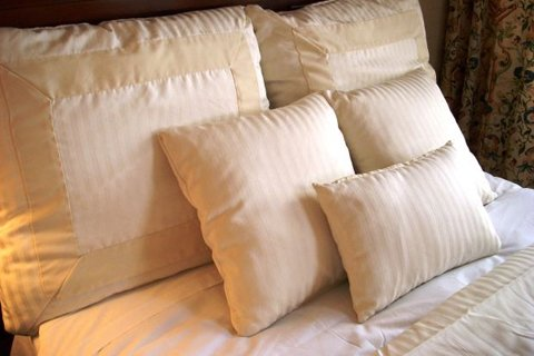 Use The Right Size And Number Of Pillows.