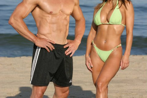 We All Want To Look Great At The Beach And Also Show Off Those 6-Pack Abs.