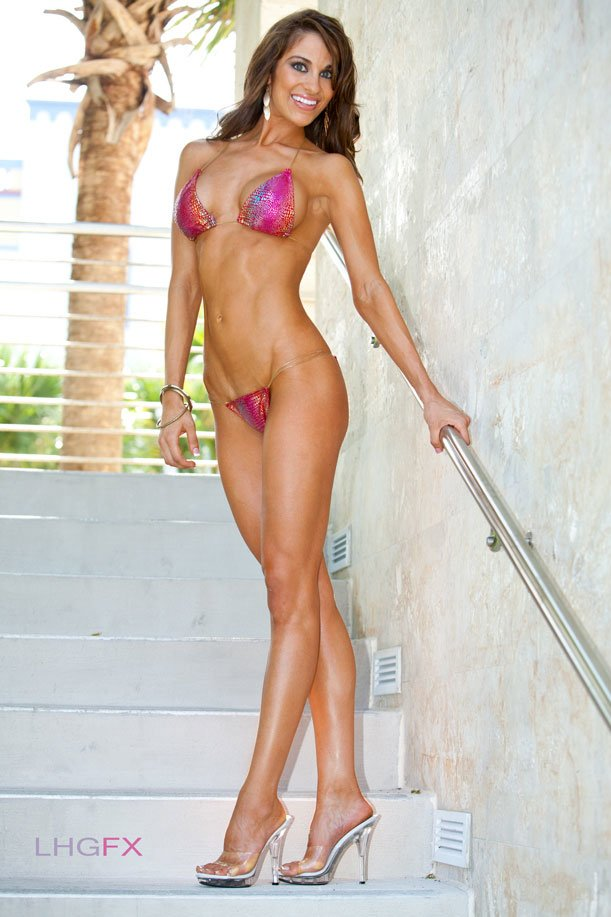 Amateur Fitness Competitor of the Week: Amber Day