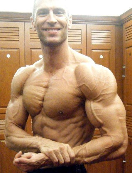 Amateur Bodybuilder of the Week: Paul Revelia