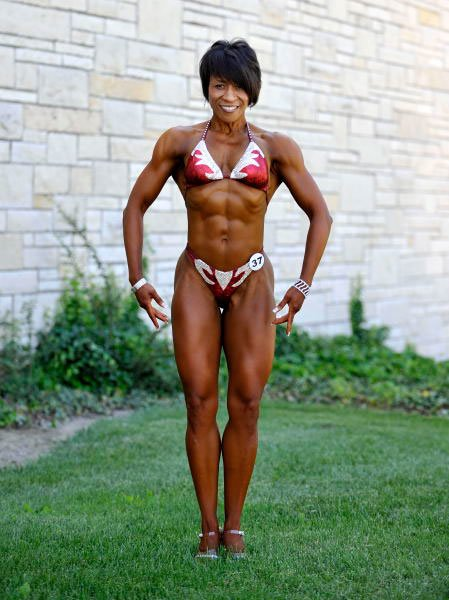 what supplements do female bodybuilders take