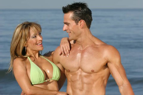 There Are More Guys Just Trying To Look Good For Girls At The Beach Than Competitive Bodybuilders.