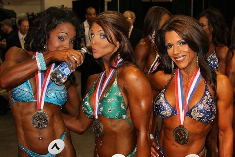 Alicia With Carin Hawkins And Julie Ann Kulla At The 2010 Olympia
