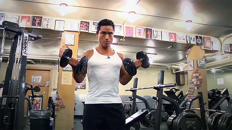 Extra Extra Try Mario Lopez Rapid Fire Dumbbell Workout