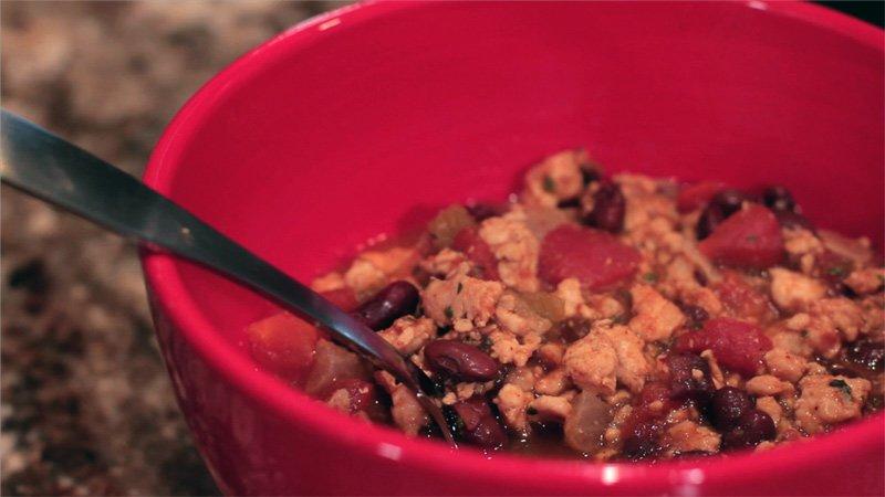 Jamie Eason's LiveFit Recipes: 3-Bean Turkey Chili - Bodybuilding.com