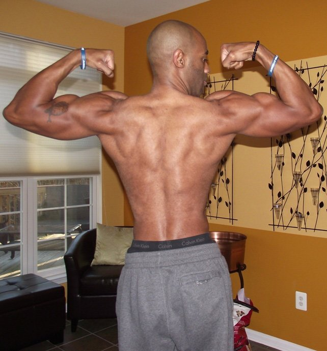 Amateur Bodybuilder Of The Week Regie Simmons