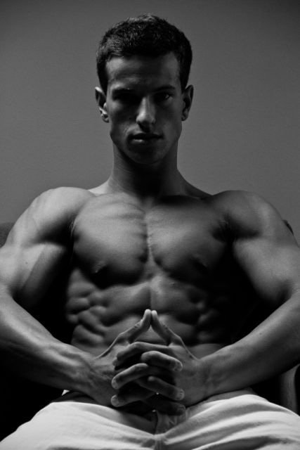 Amateur Bodybuilder Of The Week: Tyler Hiriak