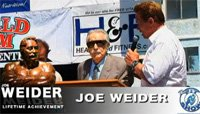 Arnold Presents Joe Weider With The Lifetime Achievement Award