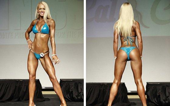 Blondes in tight bikinis