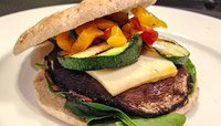 GRILLED PORTOBELLO AND ZUCCHINI BURGER