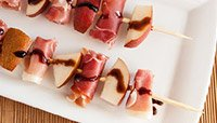 RED PEAR AND PROSCIUTTO SKEWERS