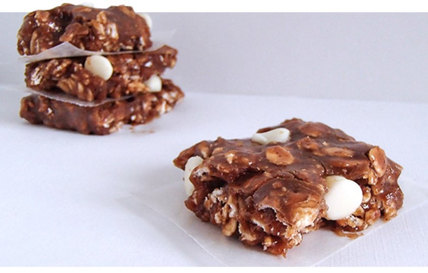White Chocolate Peanut Butter Cinnamon Protein Bars