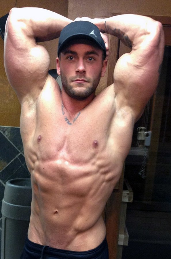 amateur-bodybuilder-of-the-week-parker-vagina