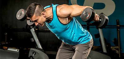 Build Monster Shoulders With This Brutal Giant Set Finisher