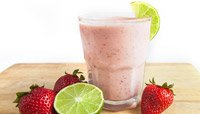STRAWBERRY LIME PROTEIN SMOOTHIE