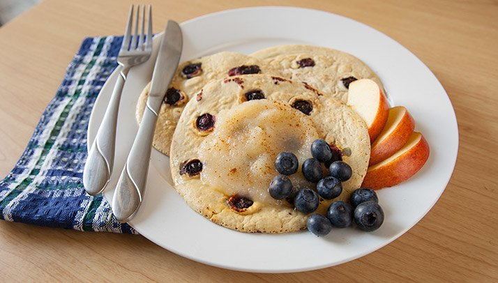 http://www.bodybuilding.com/fun/images/2015/20-best-healthy-protein-pancake-recipes-graphics-8.jpg
