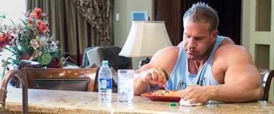 Living Large: Jay Cutler's 8-Week Mass-Building Trainer, Eat Large Calculator banner